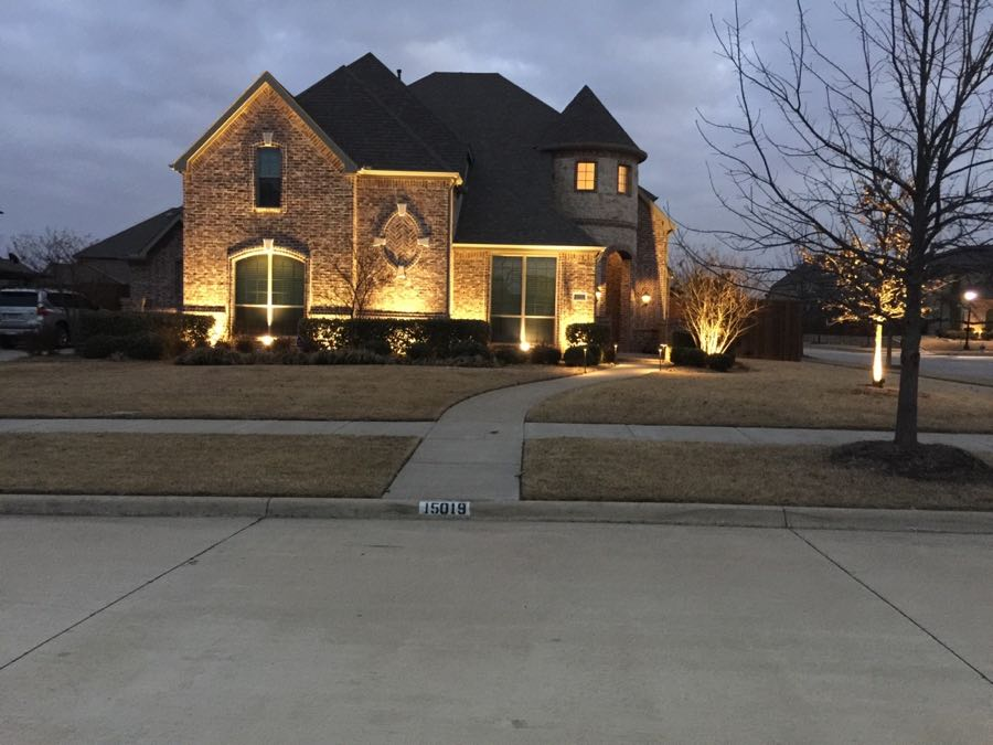 Landscape Lighting Curb-Side Photo
