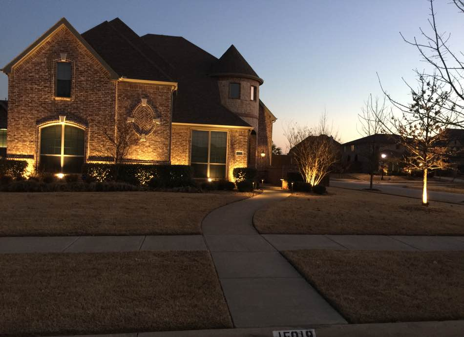 Landscape Lighting At Dusk Curb Side